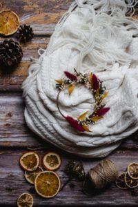 photo couronnes de fleurs séchées